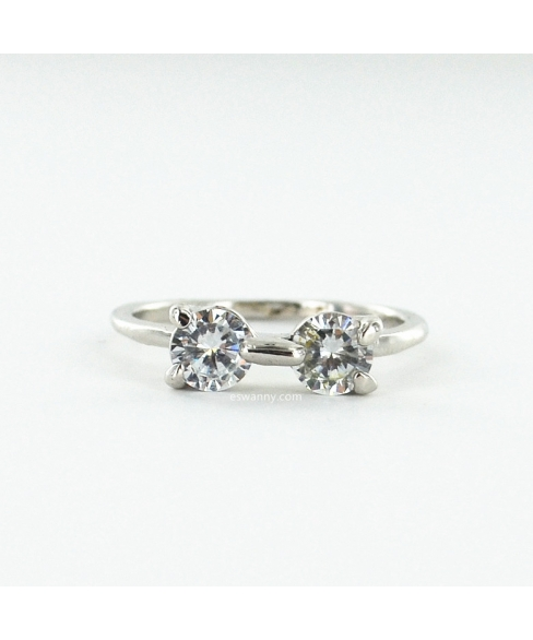 Sparkling Cubiczirconia Bow Ring (Size 6.7.8)